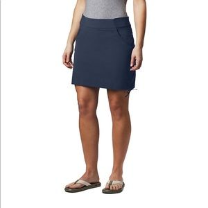 New Columbia Stretch Skort in Grey Large = 12/14